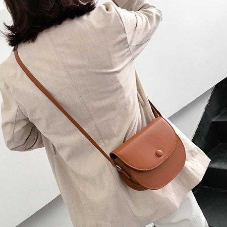 직장인 하객룩 패션 원피스 크로스 가방 세련된 코디